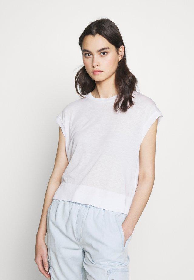LAKISHA - Basic T-shirt - weiss