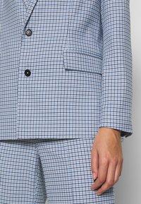 Mads Nørgaard - DOGTOOTH BORNILLA - Short coat - blue - 6