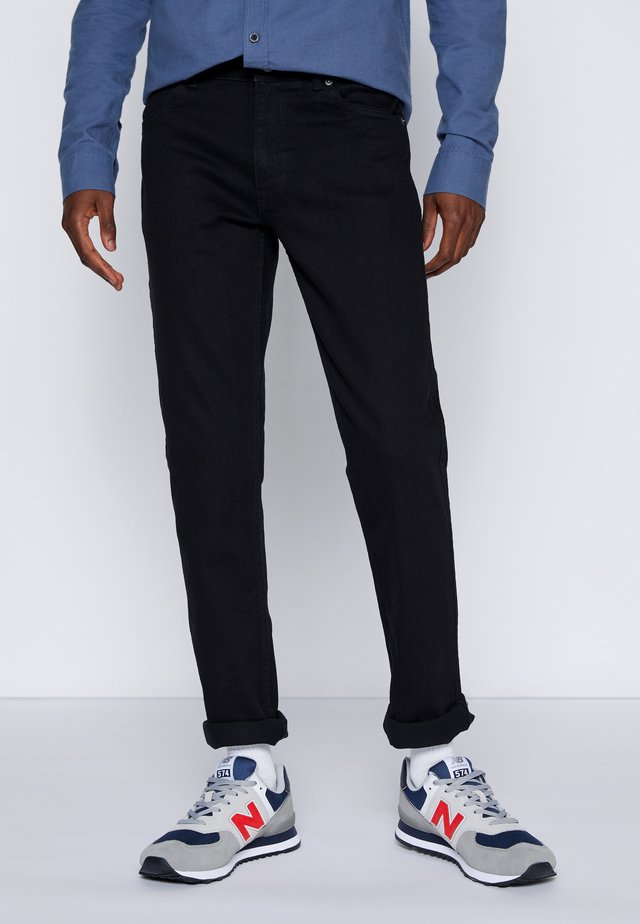 CLARK - Jeans Tapered Fit - black
