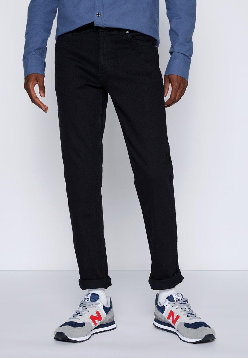 Dr.Denim - CLARK - Jeans Tapered Fit - black