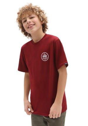 BY VANS CUSTOM CLASSIC SS BOYS - T-shirt med print - pomegranate