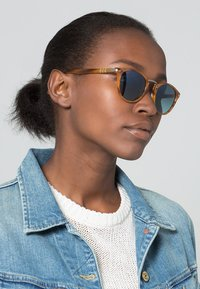 Persol - Zonnebril - brown - 0