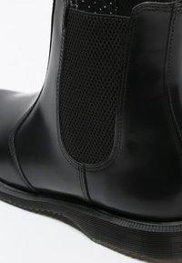 Dr. Martens - FLORA - Stövletter - black polished smooth - 6