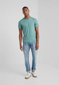 Polo Ralph Lauren - PIMA - T-shirt basic - pine heather - 1