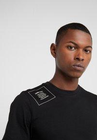 Damir Doma - T-shirts print - black - 4