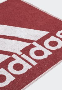 adidas Performance - ADIDAS TOWEL SMALL - Håndkle - red - 1