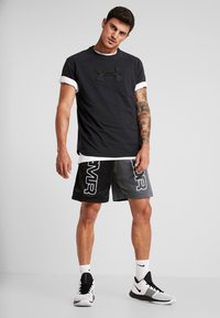 Under Armour - UNSTOPPABLE MOVE TEE - Triko s potiskem - black - 1