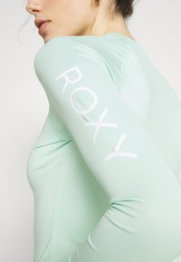 Roxy - WHOLEHEARTED - Rash vest - brook green - 6