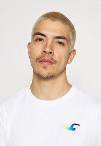 Hollister Co. - ICONIC 3 PACK - T-shirt basique - WHITE/NAVY/BLACK - 5