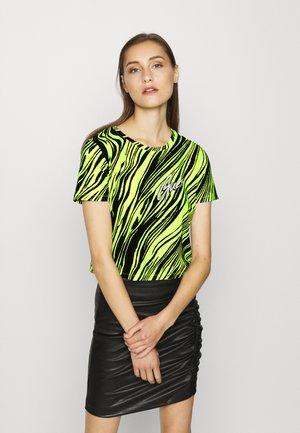 SOPHIA TEE - Print T-shirt - black/yellow