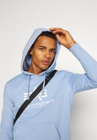 Alpha Industries - BASIC HOODY - Sweatshirt - light blue - 3