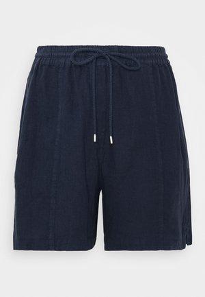 Shorts - silent sea