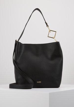 HOBO DOUBLEFACE SMALL - Håndtasker - black