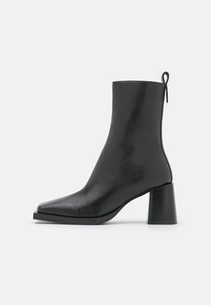 HOLLY - Classic ankle boots - black