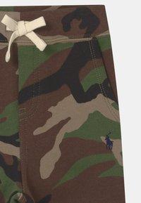 Polo Ralph Lauren - BOTTOMS - Trousers - green - 2