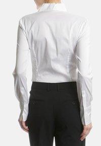 RENÉ LEZARD - Button-down blouse - white - 2