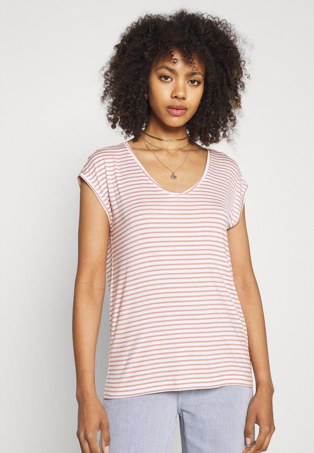 PCBILLO NEW TEE - T-Shirt print - bright white/cameo brown