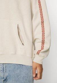 Levi's® - FASHION HOODIE UNISEX - Sweater - sahara khaki - 6