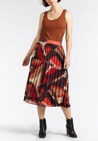 Sandwich - A-line skirt - bordeaux - 1