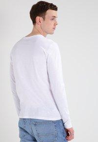 Blend - Bluzka z długim rękawem - white - 2