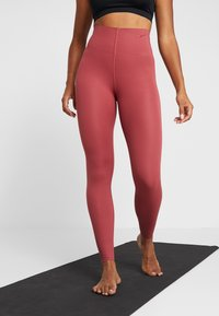 Nike Performance - W NK SCULPT LUX TGHT 7/8 - Tights - cedar/clear - 0