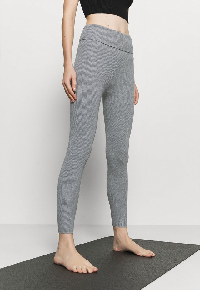 Legginsy - light grey