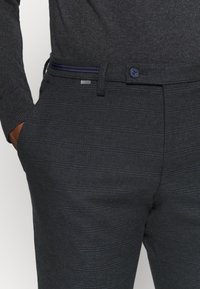 Cinque - CIBRAVO TROUSER - Kalhoty - dark blue - 5