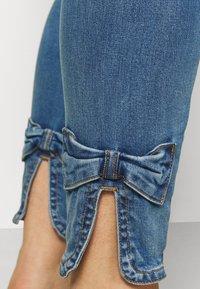 Zizzi - JABIA CROPPED - Jeans Skinny Fit - blue denim - 4