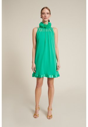 PERTINENTE - Sukienka koktajlowa - verde giada