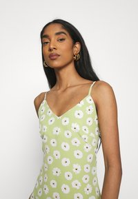 Glamorous - CARE MIDI DRESSES WITH NARROW STRAPS AND SIDE SPLIT - Day dress - green - 4