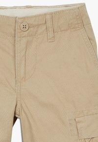 GAP - BOY - Cargo trousers - new british khaki - 4