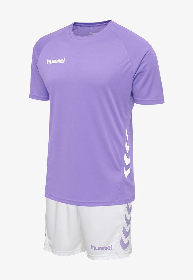 DUO SET - Korte broeken - paisley purple/white