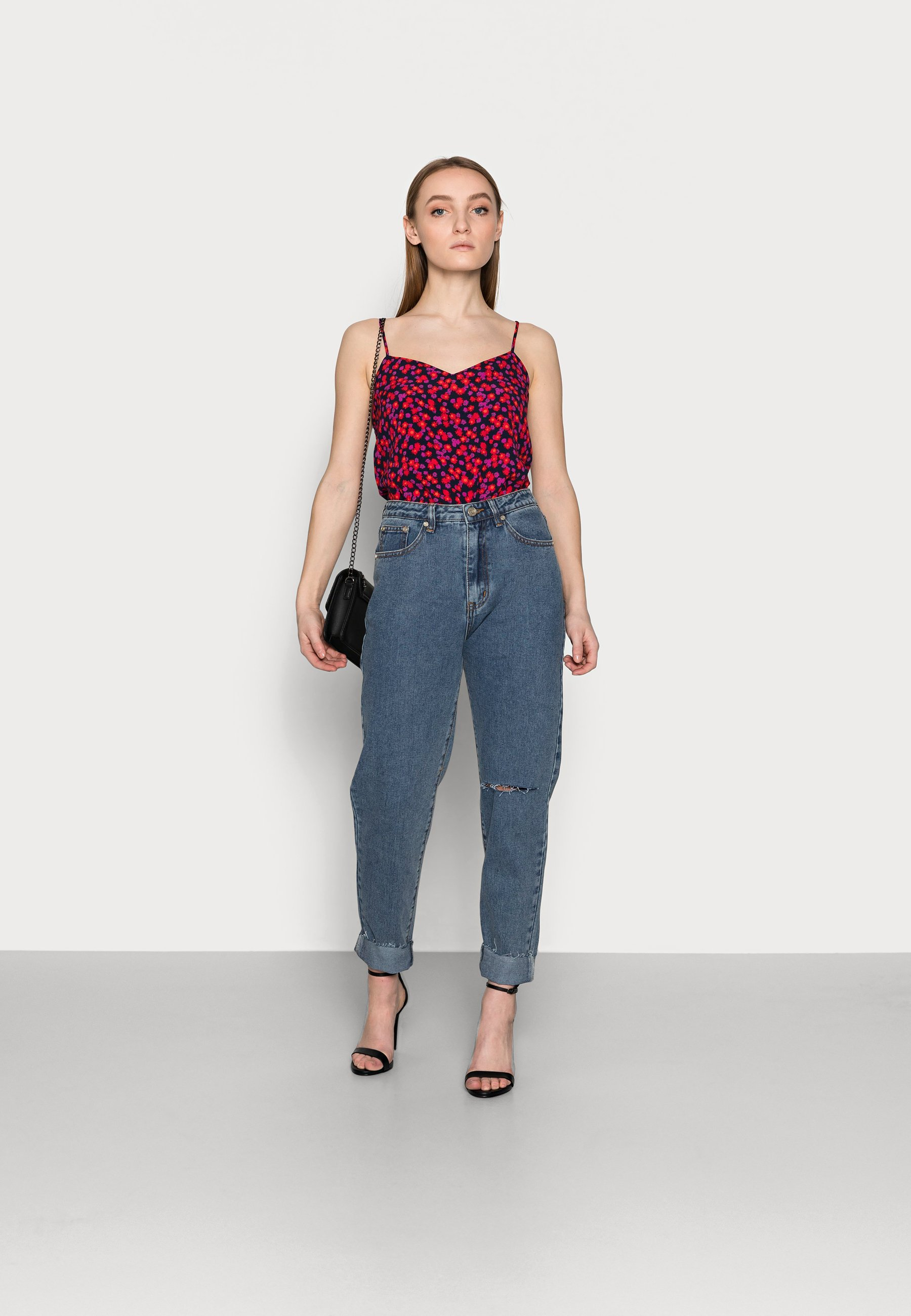 Women WASHED SINGLE THIGH RIOT - Jeans Tapered Fit