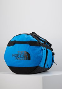 The North Face - BASE CAMP DUFFEL L UNISEX - Holdall - clear lake blue/black - 4