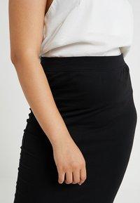 Missguided Plus - CURVE MIDI SKIRT - Pencil skirt - black - 4