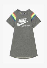 Nike Sportswear - HERITAGE DRESS - Vestito estivo - carbon heather - 0