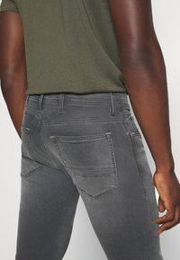 Replay - TITANIUM MAX - Slim fit jeans - medium grey - 3