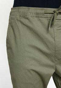 Solid - TRUC CUFF - Trousers - dusty oliv - 3