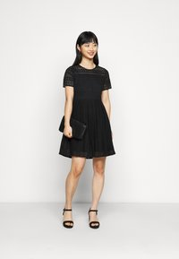 Vero Moda Petite - VMHONEY LACE PLEATED DRESS  - Cocktail dress / Party dress - black - 1