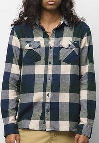Vans - MN BOX FLANNEL - Shirt - dress blues/scarab - 0