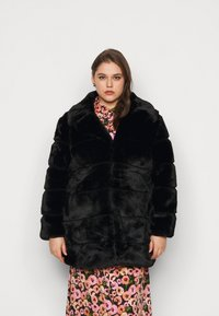 CAPSULE by Simply Be - STEPPED COAT - Classic coat - black - 0