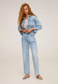 Mango - FIONA - Kurtka jeansowa - blu medio - 1