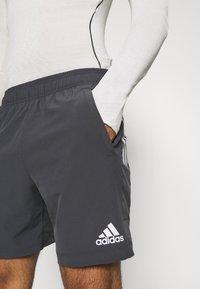 adidas Performance - TRAINING WORKOUT AEROREADY - Krótkie spodenki sportowe - solid grey - 4