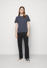 YMC You Must Create - WILD ONES POCKET - T-shirt basique - navy - 1