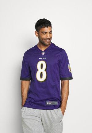 NFL BALTIMORE RAVENS LAMAR JACKSON GAME TEAM COLOUR - Klubové oblečení - new orchid