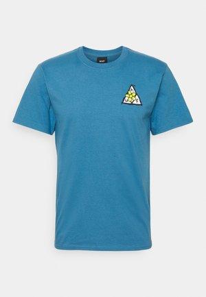 PUSHING DAISIES TEE - Print T-shirt - columbia blue