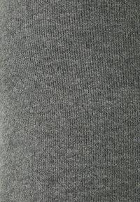 Vero Moda - VMKINSEY PANT - Bukse - dark grey melange - 5