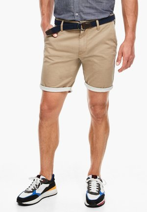 REGULAR FIT: BERMUDA - Shorts - beige