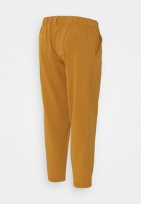 MAMALICIOUS - MLHIRA SLOUCHY PANTS - Spodnie materiałowe - meerkat - 1