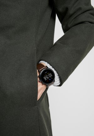 THE CARLYLE HR - Smartwatch - brown